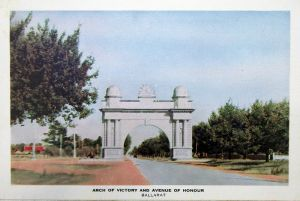 Arch of Victory Nucolorvue Postcard